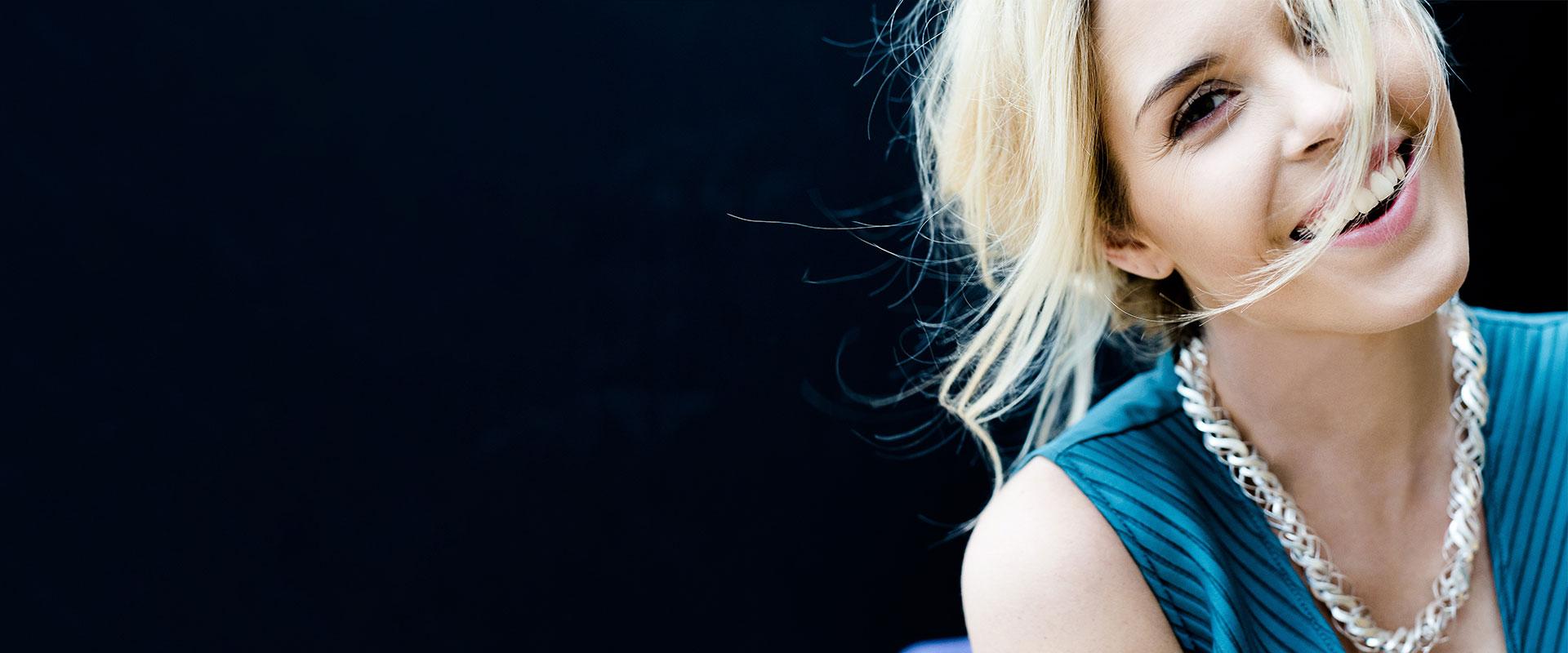 Wunschgesichter Modelagentur mit Styling, Harre und Make-Up, Setmanagement und locationsscouting
