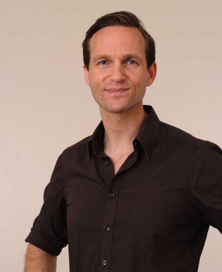 Nicolas S.